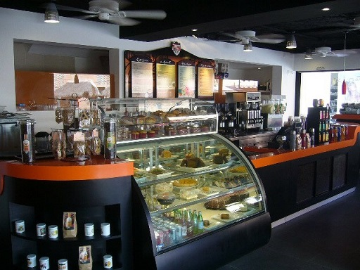 Fabricantes de kioscos comerciales vitrinas exhibidores for Muebles para cafeteria